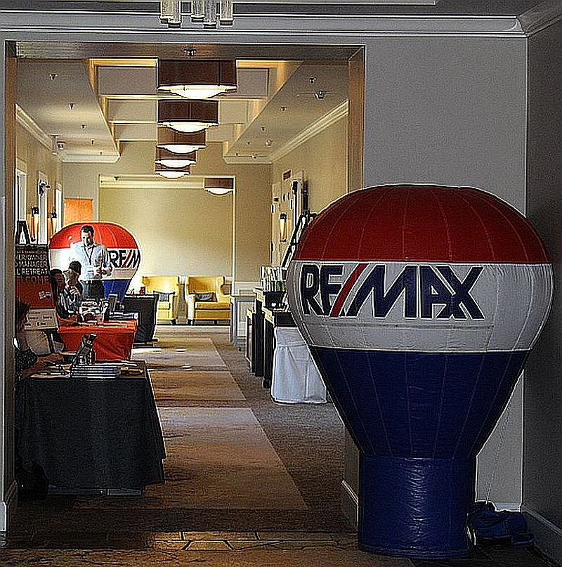 RE/MAX 6 foot cold air balloons