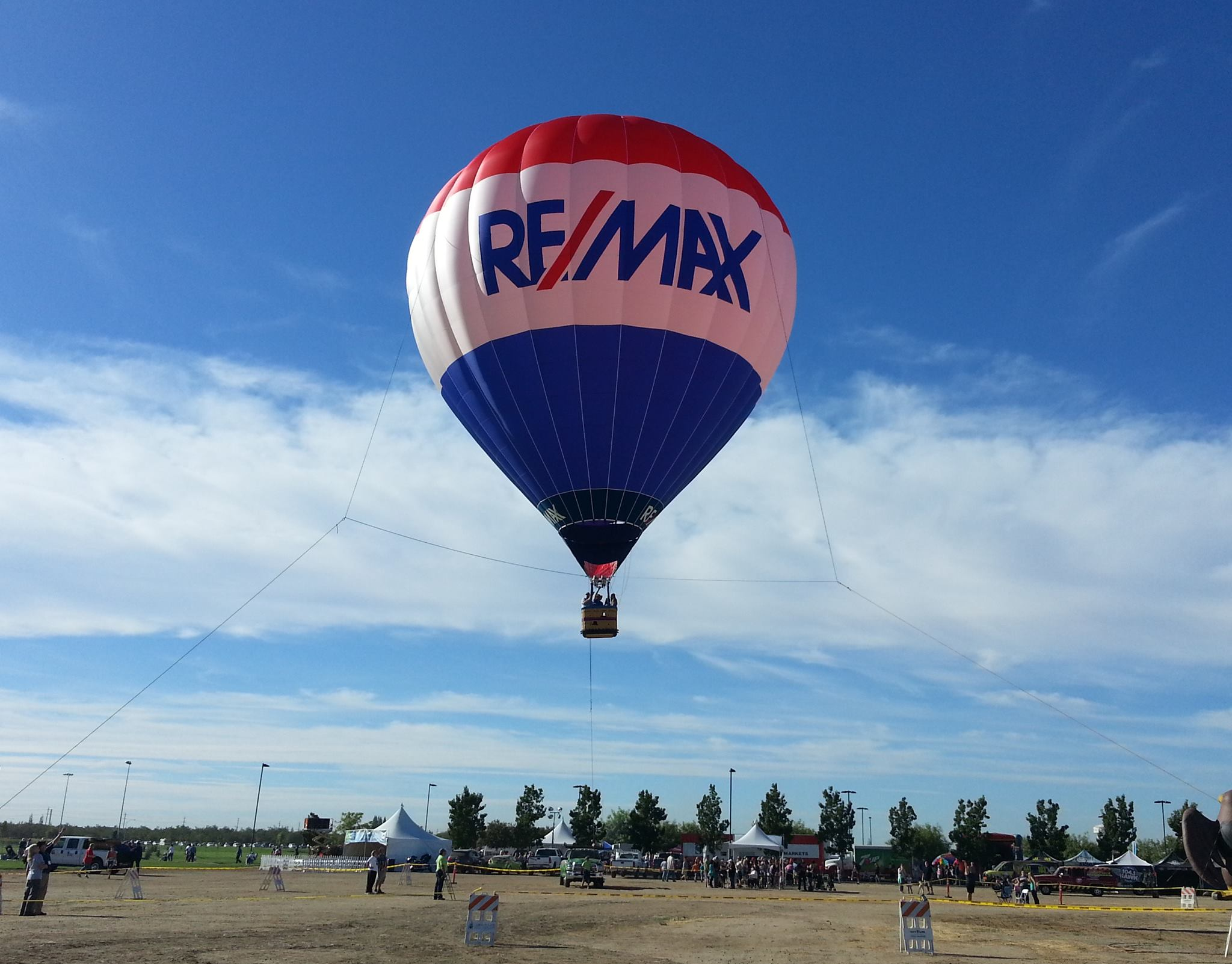 RE/MAX Balloon Tethered Rides