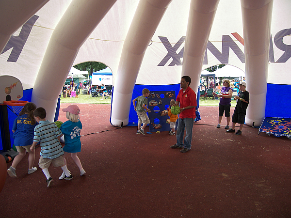 RE/MAX Inflatable Shelter Kids Camp