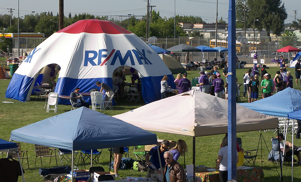 RE/MAX 35 foot Inflatable Tent