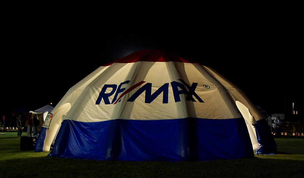 RE/MAX Inflatable Shelter with Internal Lighting
